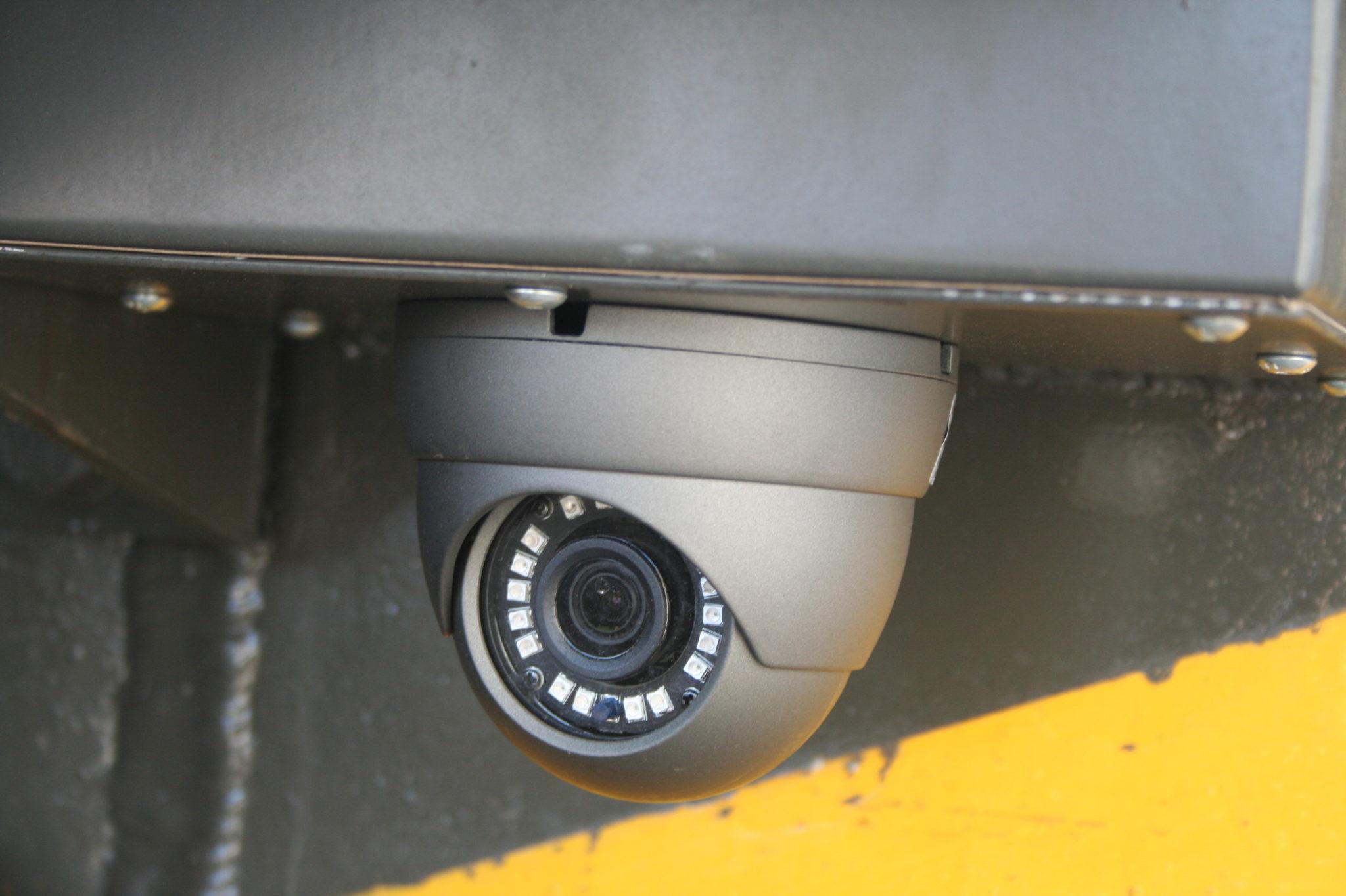 Telecamera esterna con protezione agenti atmosferici per visualizzazione coni d ombra